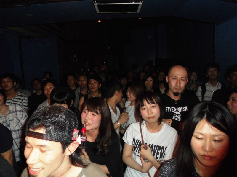 MOHIKAN FAMILY'S/���q�J���t�@�~���[�Y | ワントラxモヒカンの大阪レコ発の夜