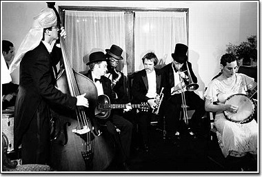 MOHIKAN FAMILY'S/���q�J���t�@�~���[�Y | Squirrel Nut Zippers