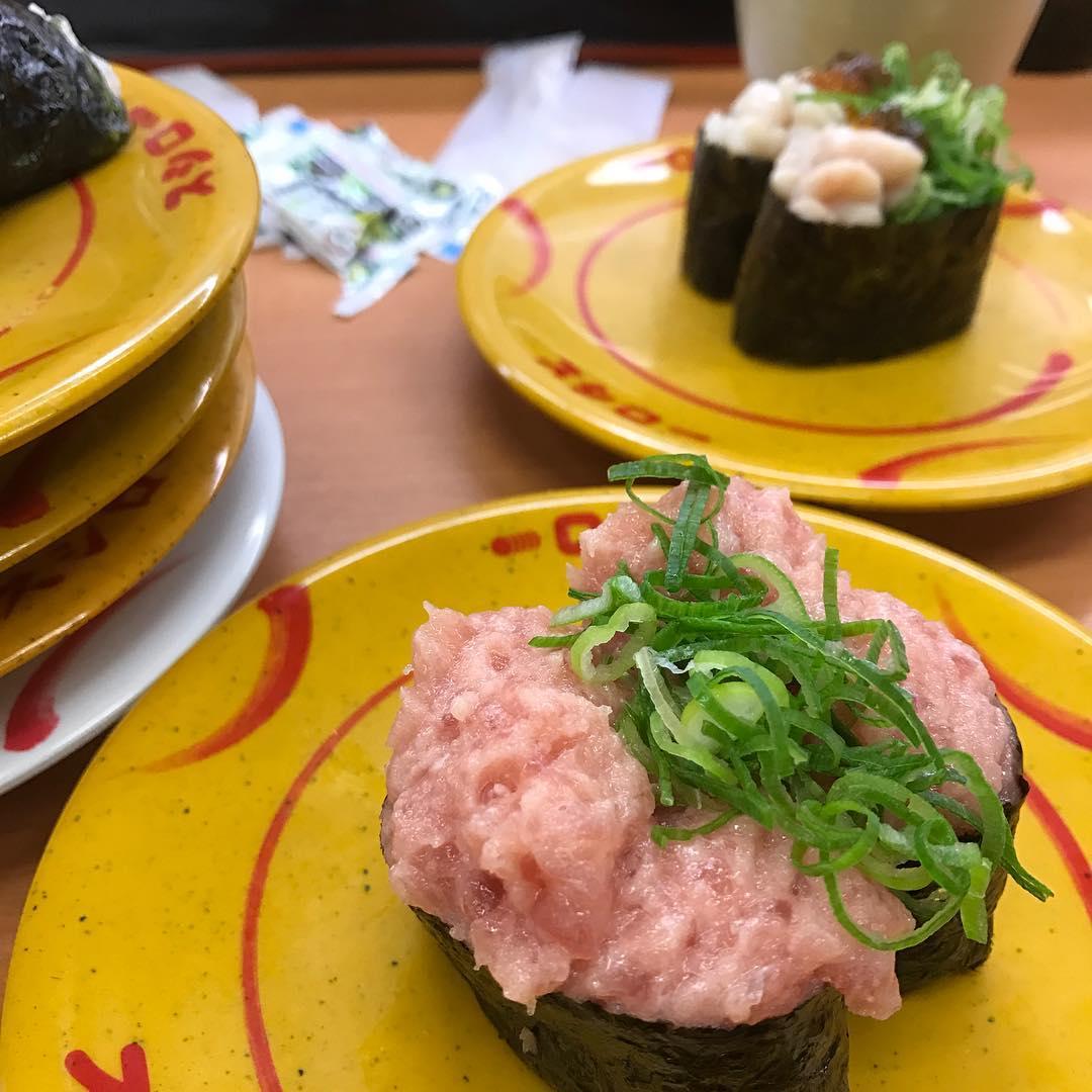 <br /> お寿司食べるのを猛特訓しています🍣 #寿司<br />