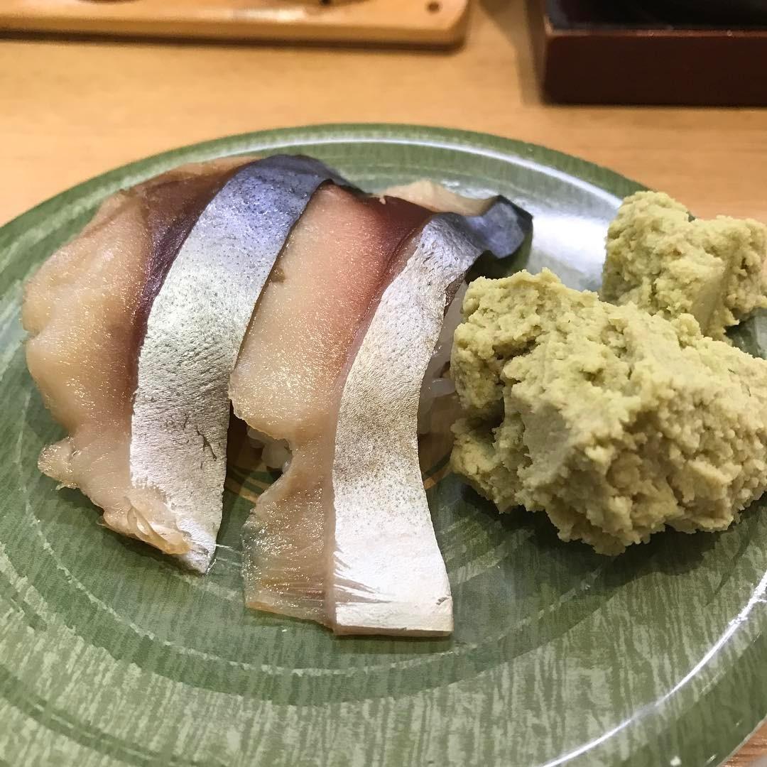 <br /> モヒカンファミリーズのアルバム発売日が決定したので記念の寿司っス🍣 #寿司<br />