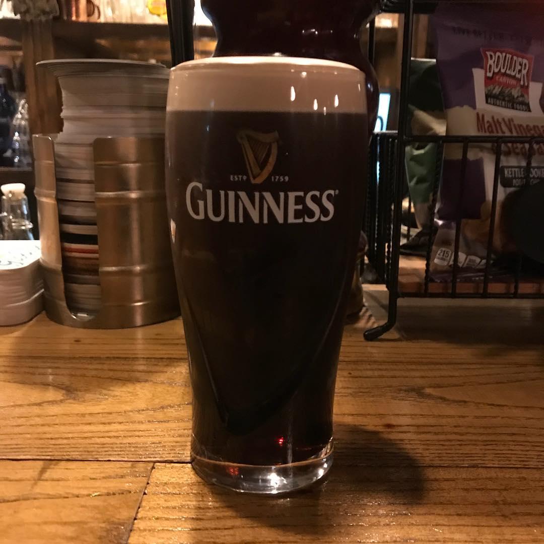 明日は中津でライブ、明後日はダブリンベイでアイリッシュセッションなので、今からビールの練習デス🍺