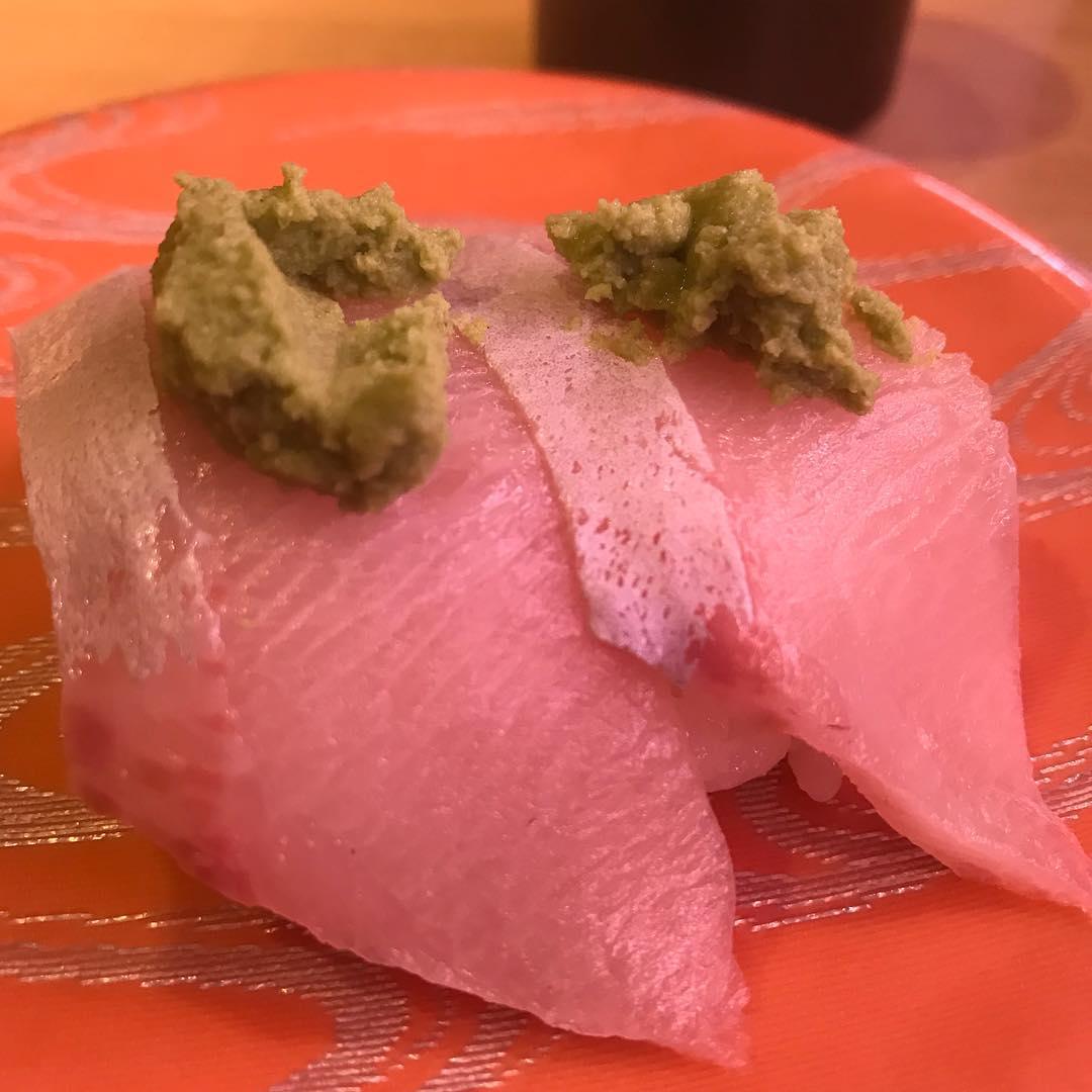 <br /> ロフト来てすぐにお寿司デス🍣<br />