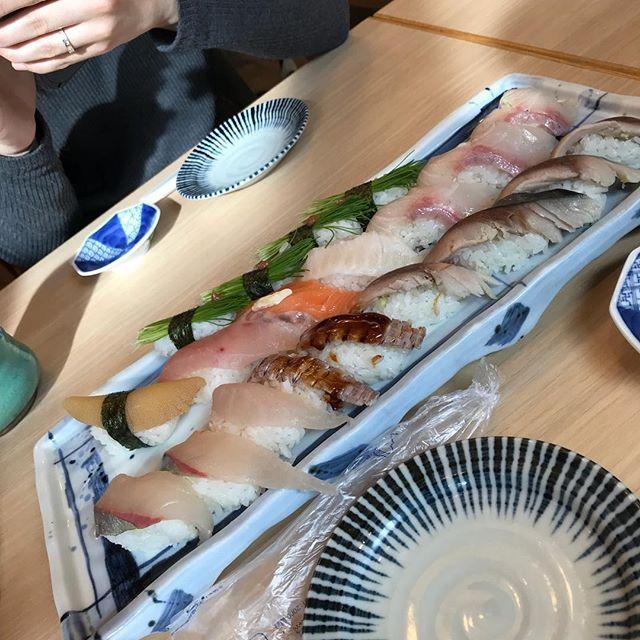朝から寿司の練習デスヨ🍣🍣