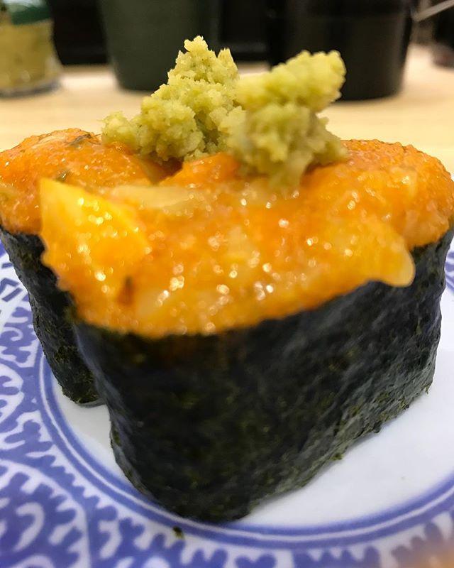 あけましておめでとうございます㊗️ 初寿司から始めます🍣 今年もたくさん寿司食べて行きます🍣🍣