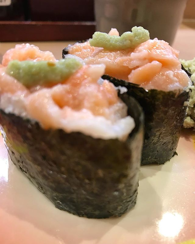 本日はコーナーストンでローマンマイのサヨナラパーティがあるのでお寿司の練習をしていきますヨ🍣