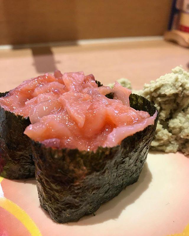 俺たちのお寿司🍣🍣<br /> 今日も寿司が美味い😋#寿司
