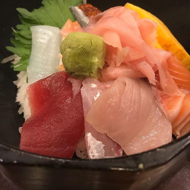 海鮮丼だぜ〜🐟