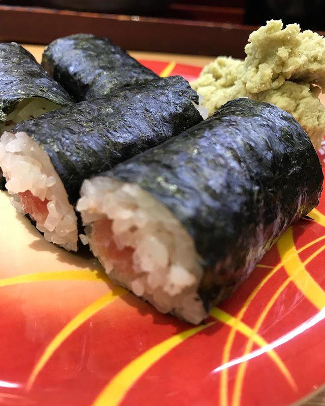 雨の日だからこそ寿司を頼むのです🍣<br /> 小宇宙を燃やすのです🍣<br /> お寿司の道は1日にしてならずぢゃ🍣